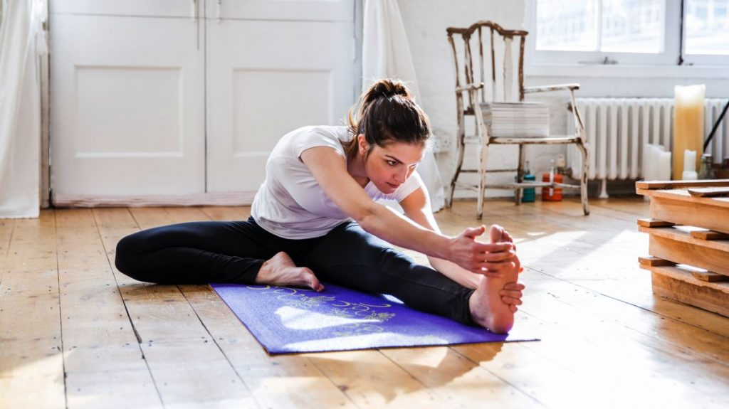 yoga-boy-uzatir