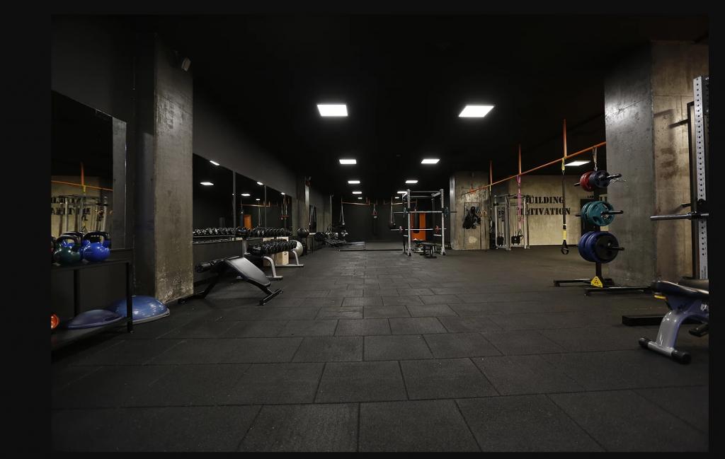gym-salon-siyah