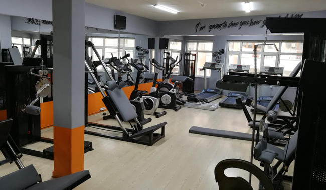 young-healthy-fitness-club-spor-salonu-sporcard