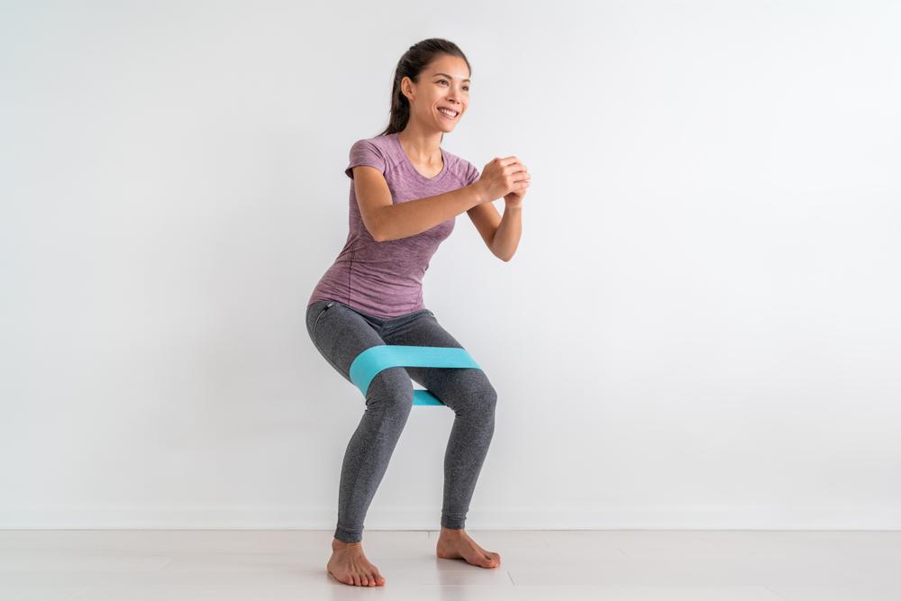 walking-side-squat